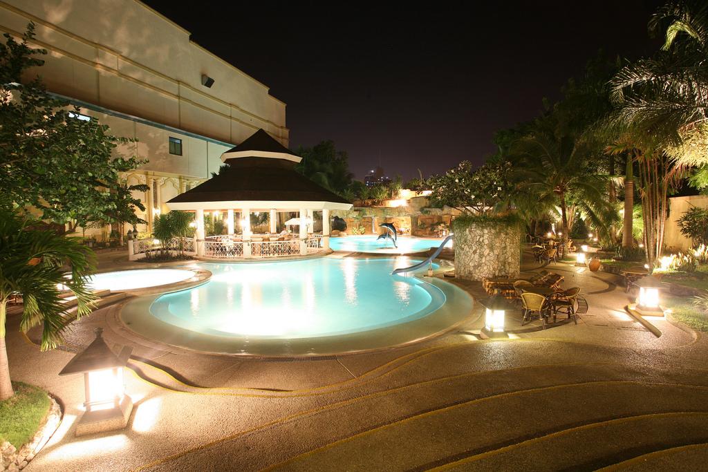 Waterfront_Cebu_D9_ Pool_Aquarius_1