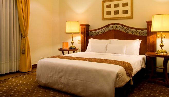 Waterfront_Cebu_C.11_ Penthouse_Suite_1