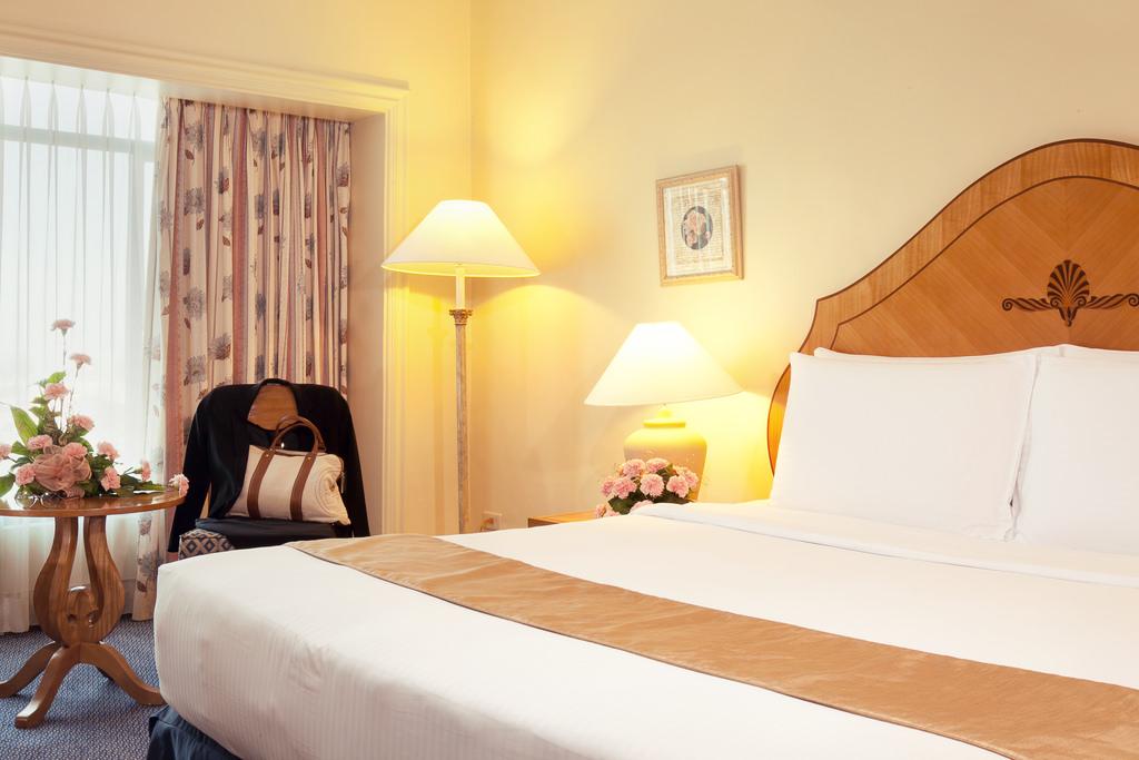 Waterfront_Cebu_C2_ Deluxe_Room_1