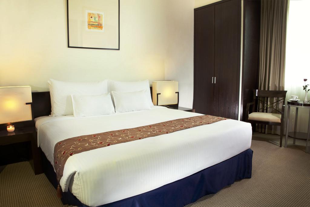 Waterfront_Cebu_C6_ Junior_Suite_1